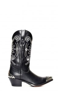 Black Tony Mora boots with accessories