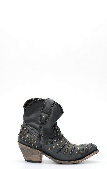 Stivali Liberty Black corto con zip e borchie vintage nero