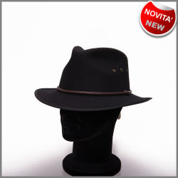Cappello nero in feltro di lana antipiega con fori traspiranti