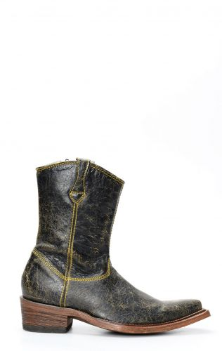 Cuadra ankle boot in black aged leather with yellow stitching