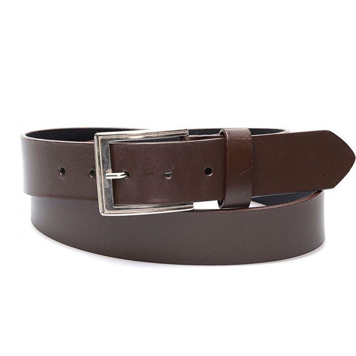 Cintura in vera pelle; top tra le cinture western