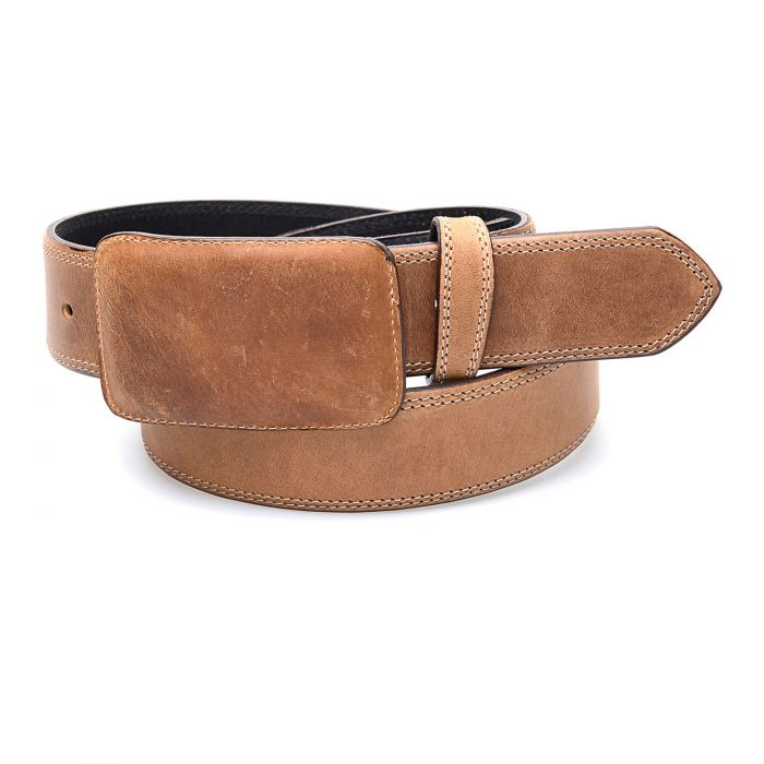 Honey-colored belt with leather buckle