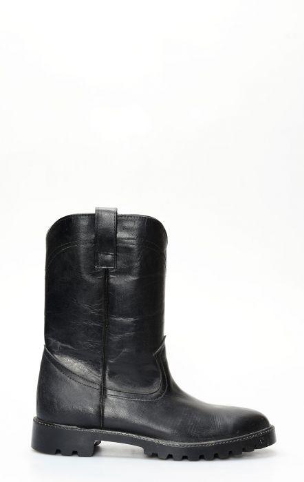 Black work boot