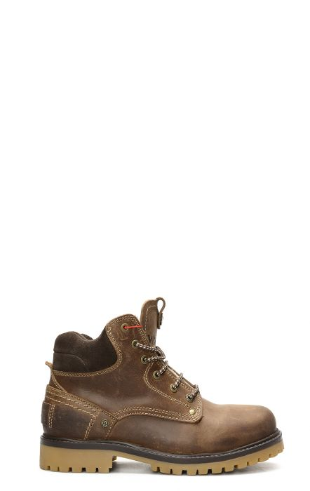 Wrangler Yuma Fur ankle boot with dark brown laces