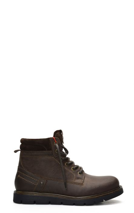 Wrangler Tucson ankle boot with dark brown laces