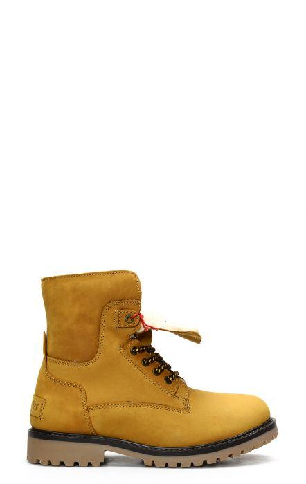Wrangler Aviator camel boot