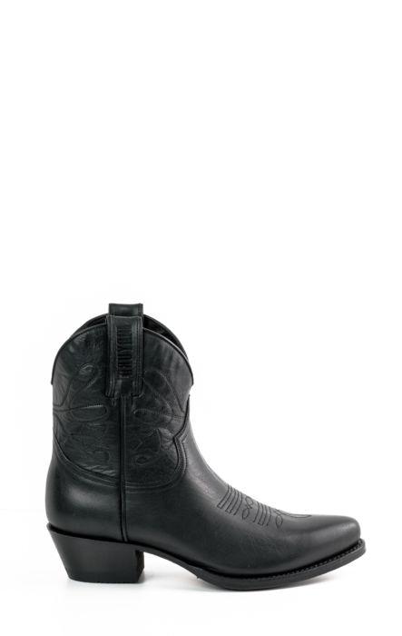 Short Stbu Boots Black