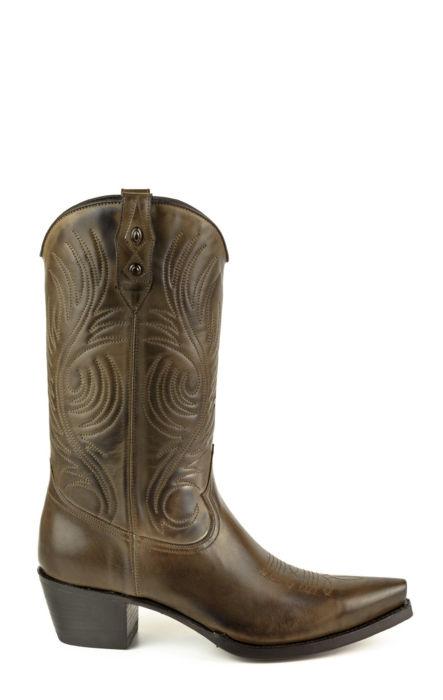 Stivali Texani colore marrone a mezzo tacco