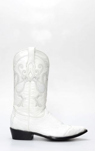 Cuadra white ostrich belly boots with toe on shoulder