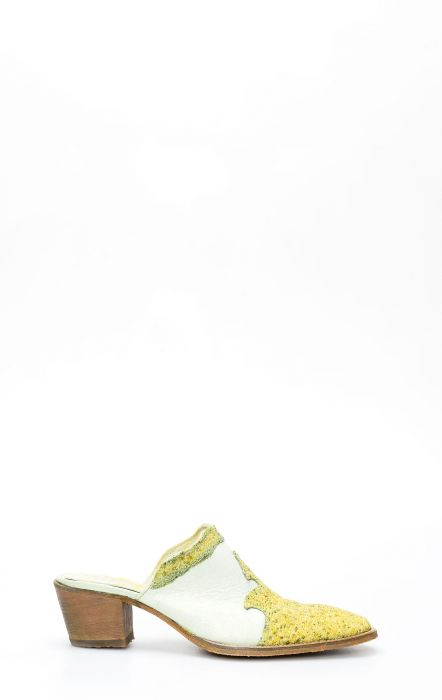 Sabot en cuir Frida by Cuadra avec pointe de manta vert citron