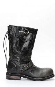 Black Liberty boots in black leather with side pocket