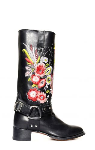 Black Tony Mora boots with embroidery