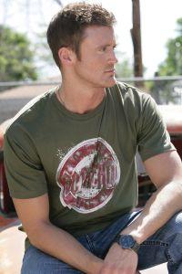 Southern thread rock art T-shirt