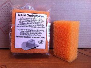 Sponge for cleaning the felt